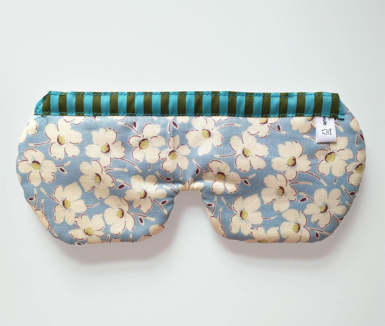 weiche schlafbrille blau mit blumen