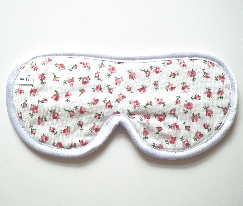 schlafbrille mit kleinen röschen