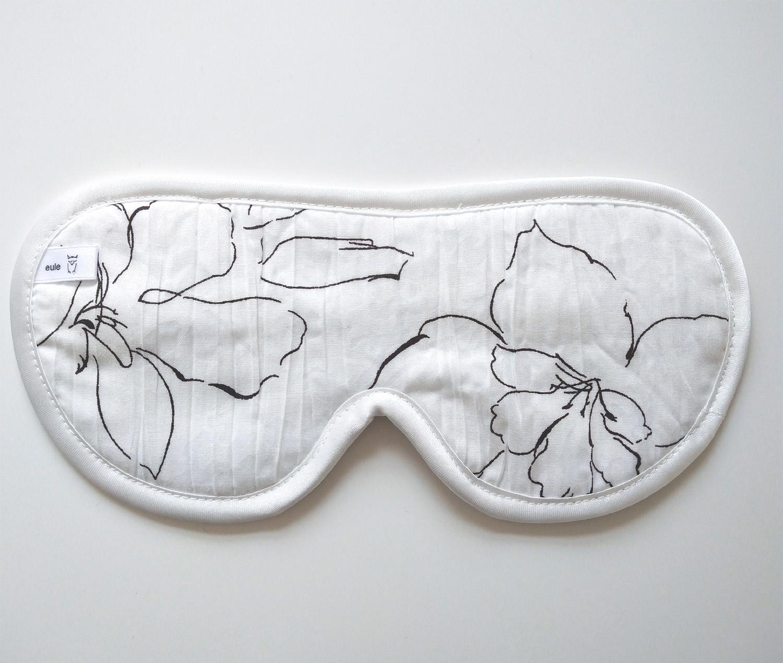 schlafbrille aus gecrashter baumwolle mit blumen